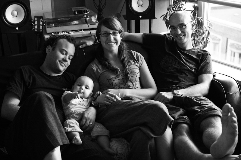 Dale, his daughter Isla, and us. Photo by Des.