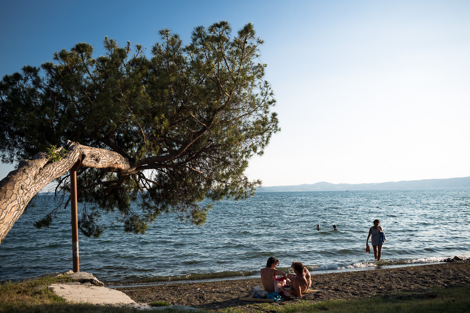 Laura took some nice pictures of Italian families enjoying the shores of Lake Bolsena.